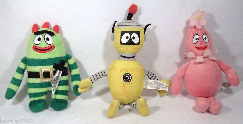 YO GABBA GABBA SET OF 3 BROBEE FOOFA PLEX plush toys