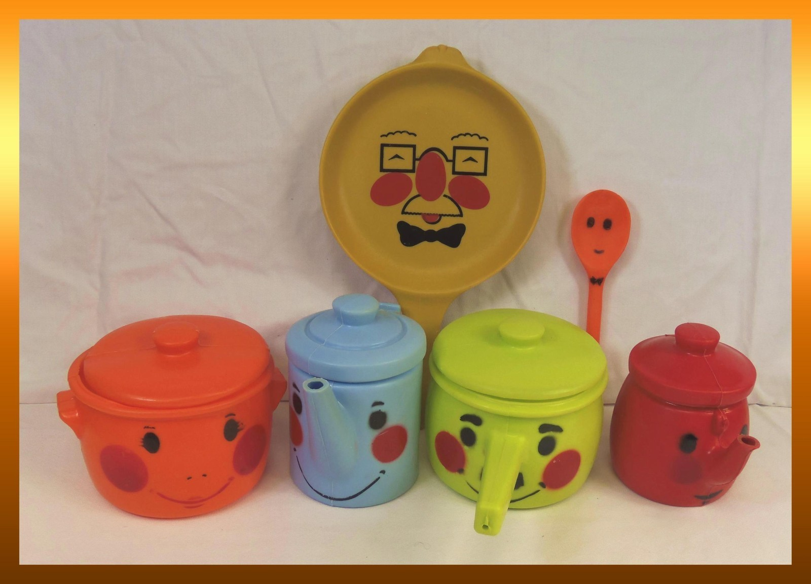 Strange Vintage 1960S Anthropomorphic Tanda Toys Plastic Dishes Home Interior And Landscaping Staixmapetitesourisinfo